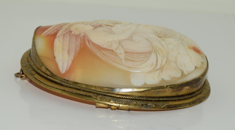 Large Victorian cameo broach finely carved - Image 2 of 5
