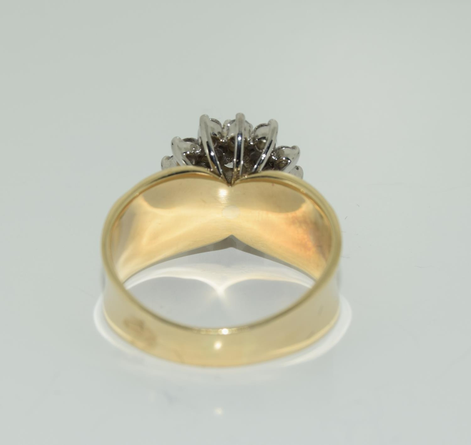 A 14ct yellow gold substantial diamond cluster ring of over 1ct size O - Image 3 of 3