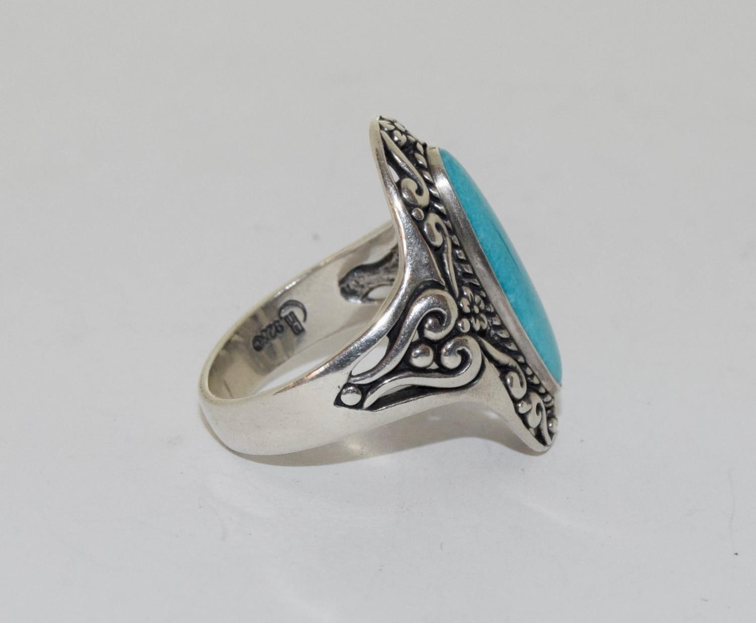 A light blue fully hallmarked silver ring, Size T - Image 2 of 3