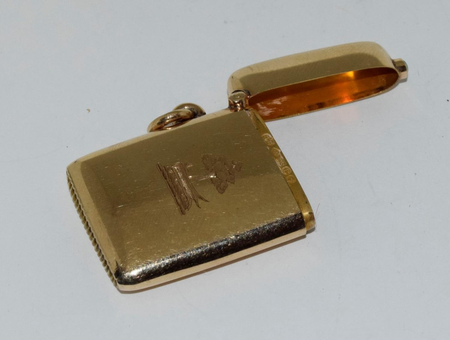 9ct gold Vesta case with a turquoise cabochon fully hallmarked for London 1878 by George Gray - Image 3 of 6