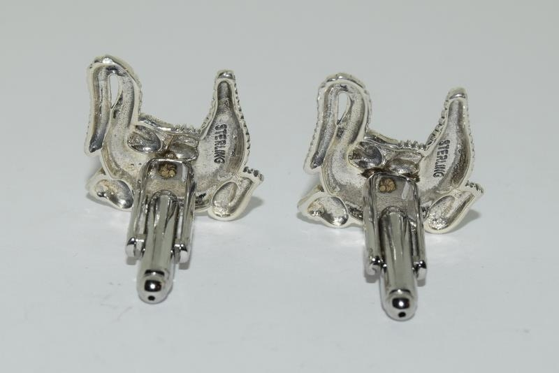 A pair of silver Alligator shaped cufflinks. - Image 3 of 3
