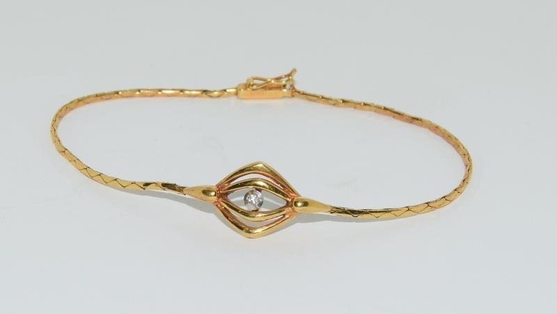 9ct gold ladies diamond set bracelet 4.2gm