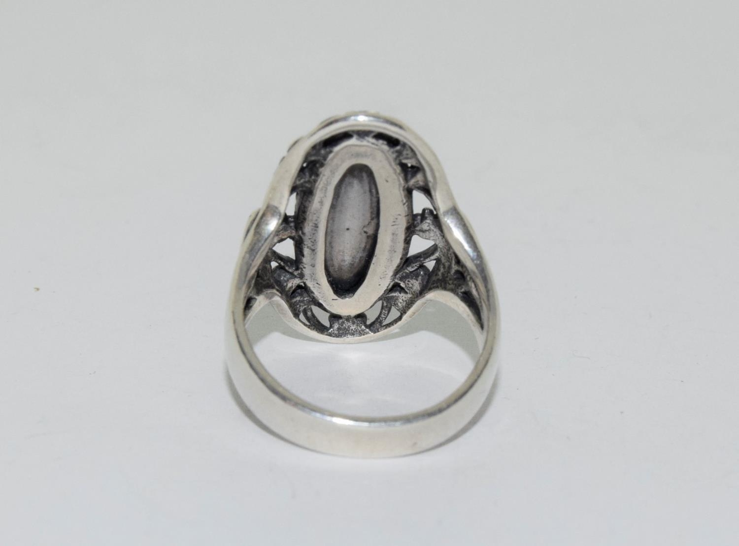 A light blue fully hallmarked silver ring, Size T - Image 3 of 3