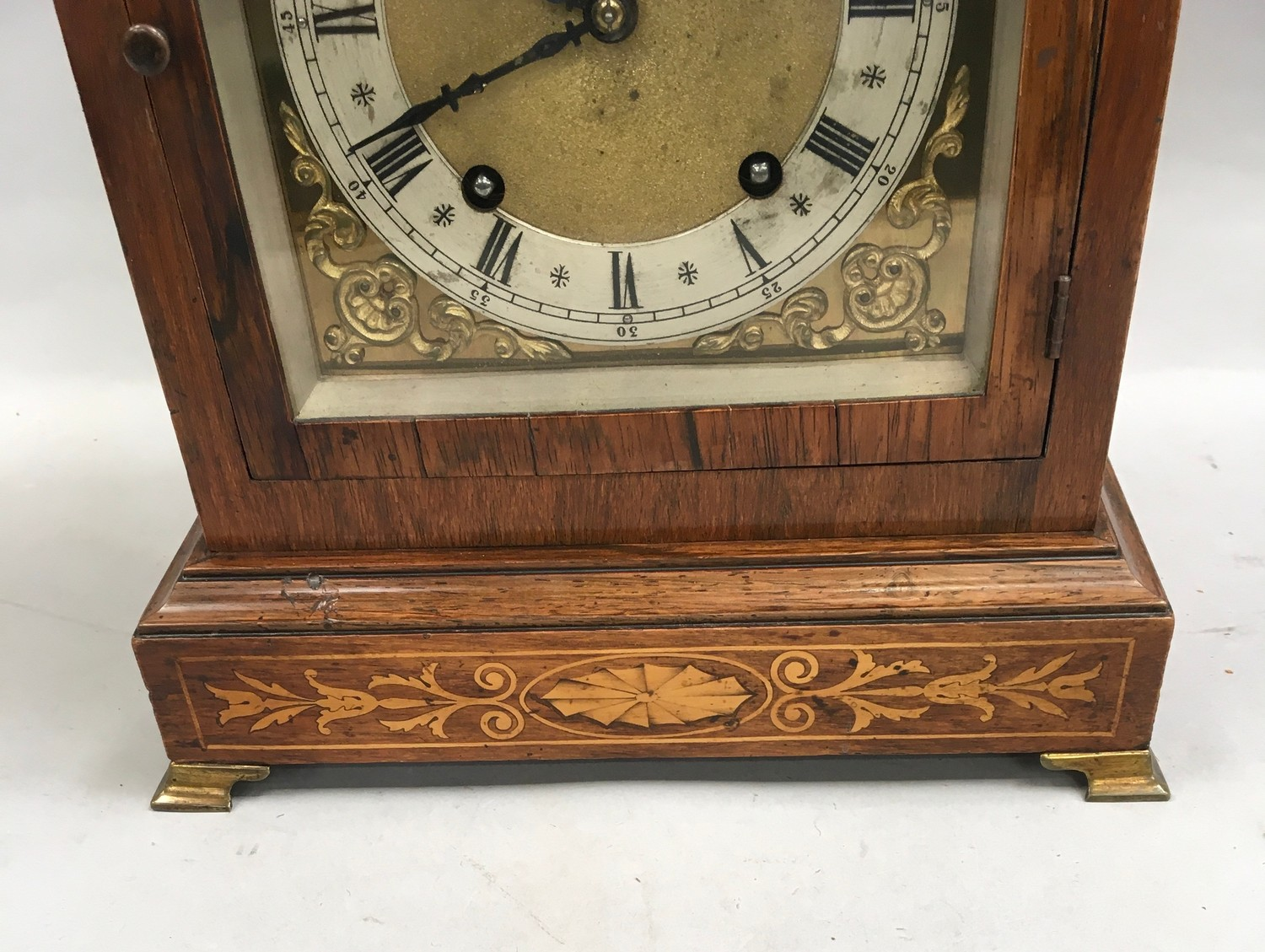 Edwardian in laid dome shape striking mantle clock,with brass face on brass feet and side carrying - Image 3 of 8