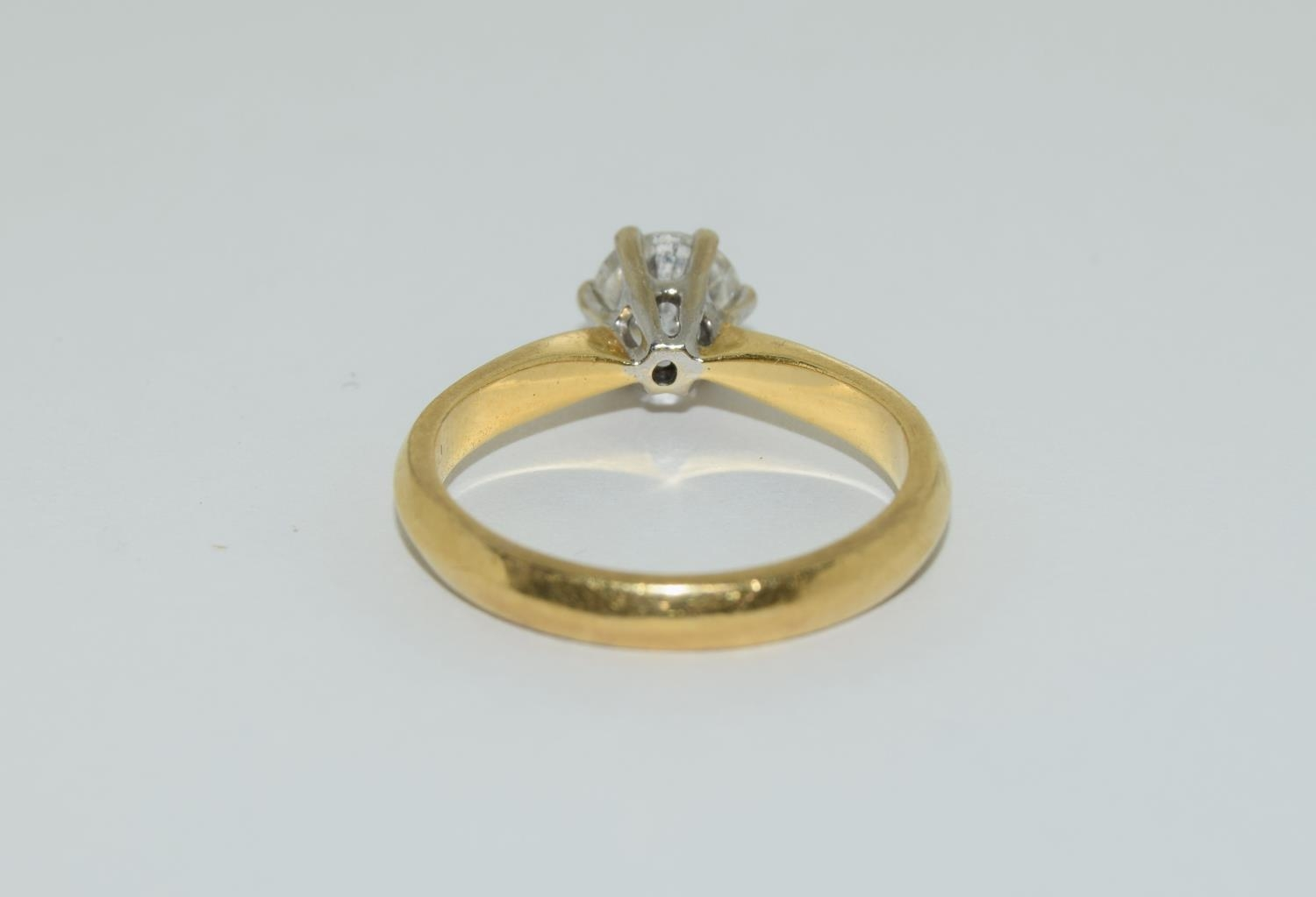 An 18ct white gold ladies diamond solitaire ring 0.75ct Approx., Size M. - Image 3 of 6