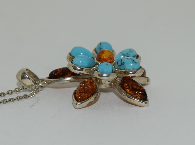 Turquoise Baltic honey amber 925 silver daisy pendant. - Image 2 of 3