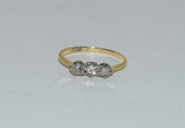 Diamond three stone 18ct gold ring Size L + - Image 6 of 6