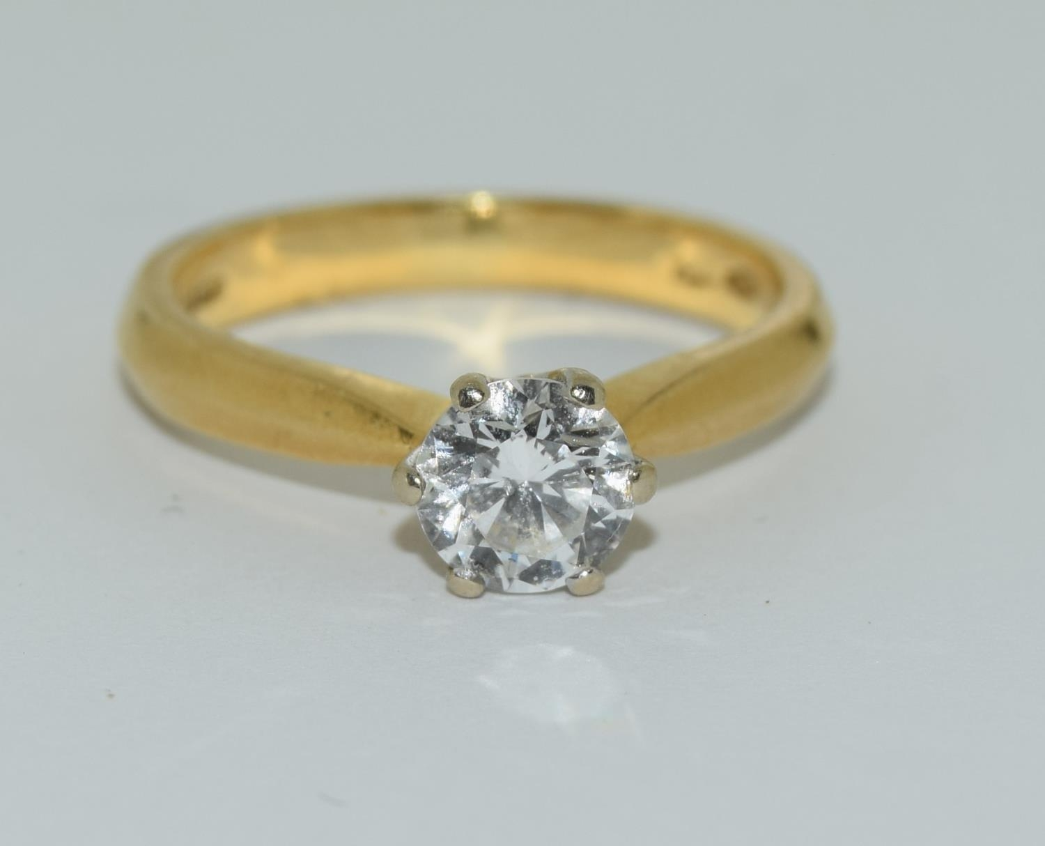 An 18ct white gold ladies diamond solitaire ring 0.75ct Approx., Size M.