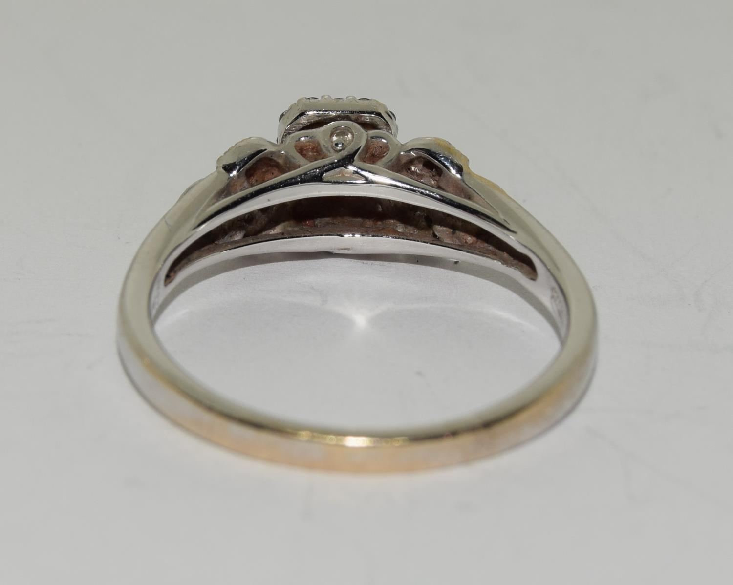 18ct white gold ladies diamond ring with certificat and original boxes from Emmy of London size O - Image 5 of 5