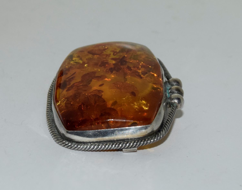 Amber silver set bracelet/brooch. - Image 4 of 5