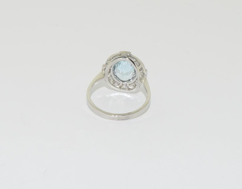 A Platinum aquamarine and diamond ring, Size M - Image 3 of 6