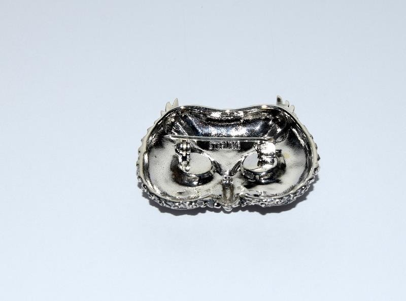 Silver owl brooch with glass eyes. - Image 3 of 4
