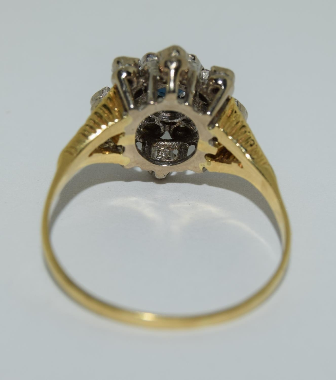18ct gold diamond and sapphire ring - approx 0.80 dia. Size O. - Image 3 of 6