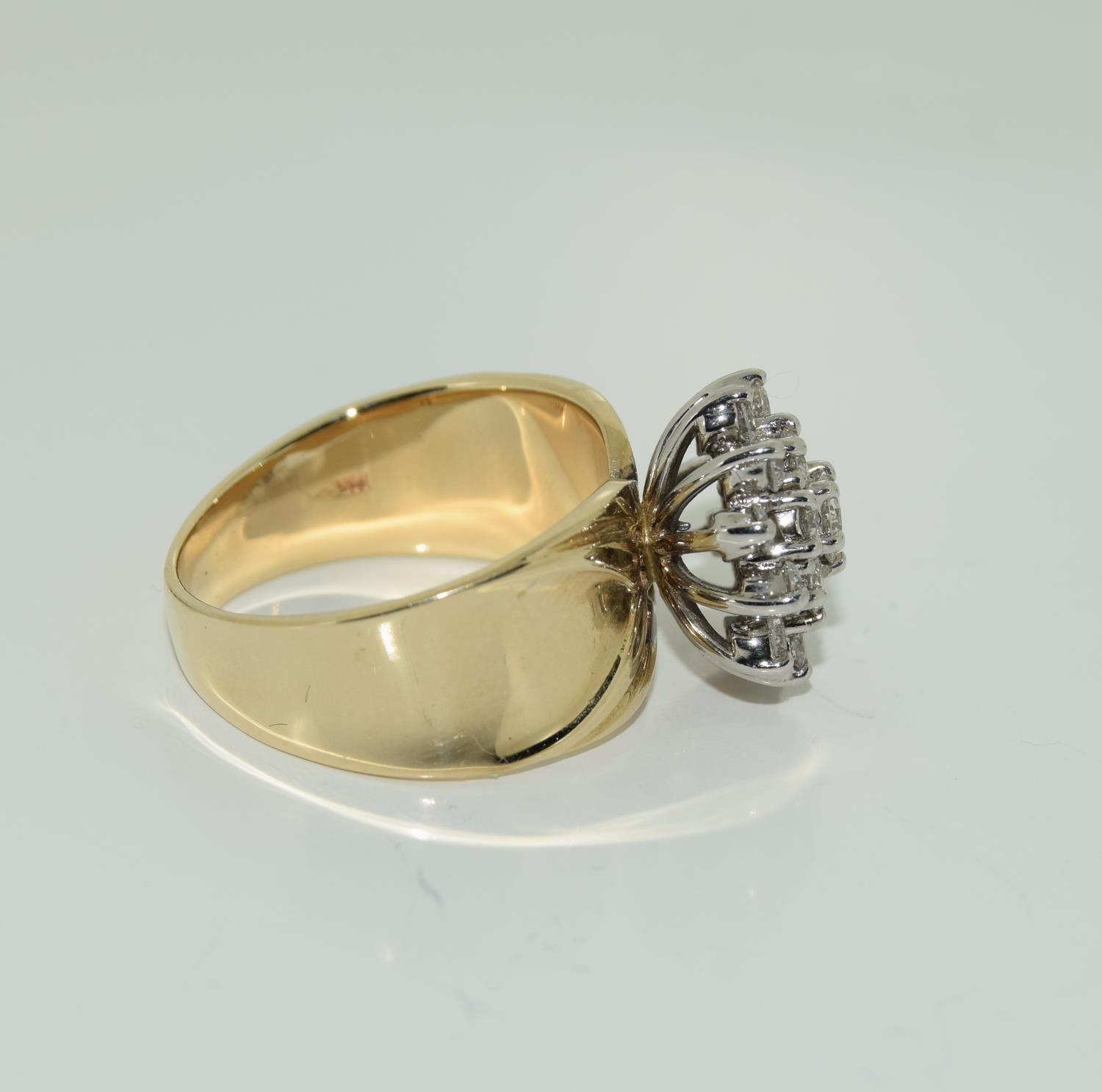A 14ct yellow gold substantial diamond cluster ring of over 1ct size O - Image 2 of 3