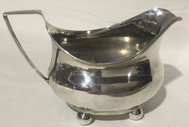 Georgian silver 4 footed milk jug 100gm - Image 4 of 7