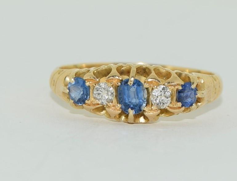 18ct gold ladies antique style ceylon sapphire and diamond ring size O