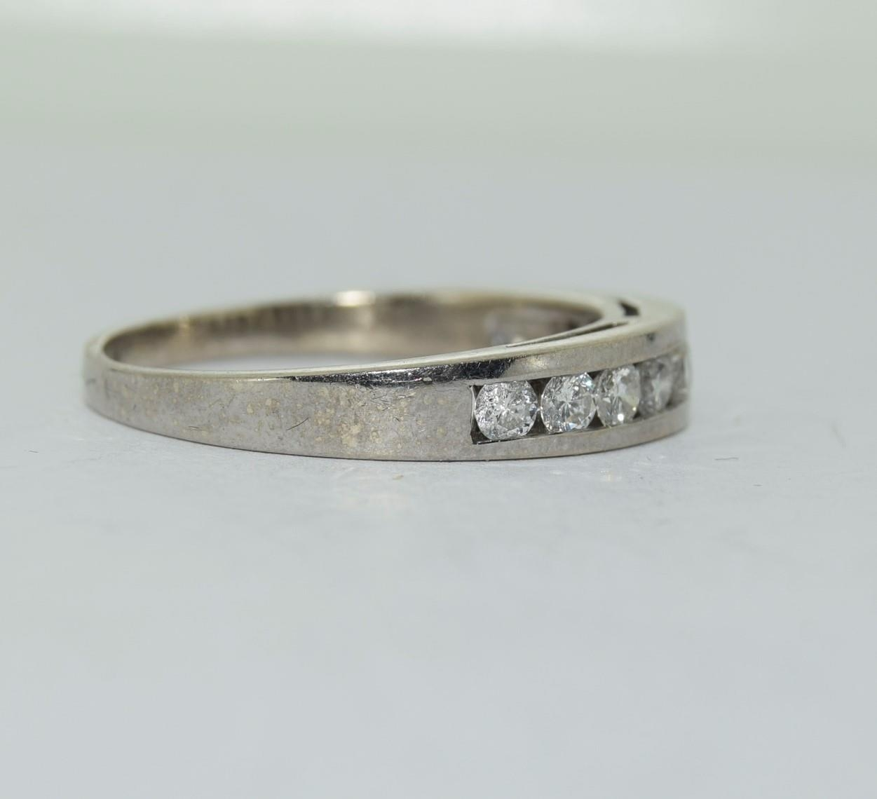 18ct white gold diamond half eternity ring approx 80 pionts size T - Image 2 of 6