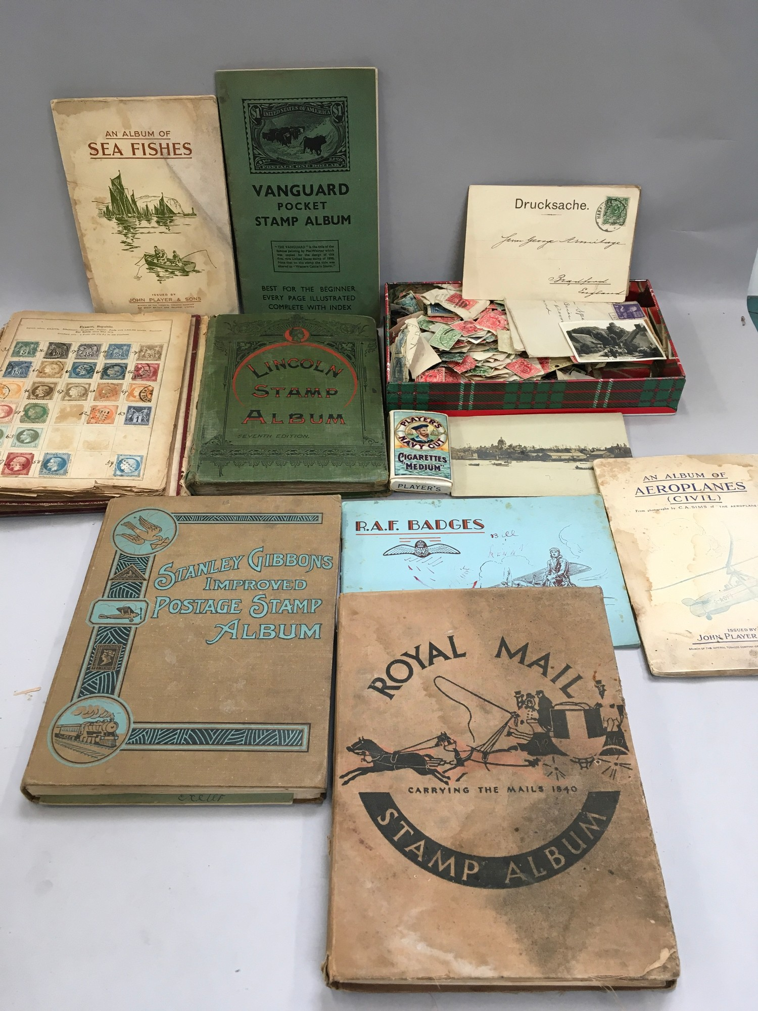 Quantity of stamps and tea cards.