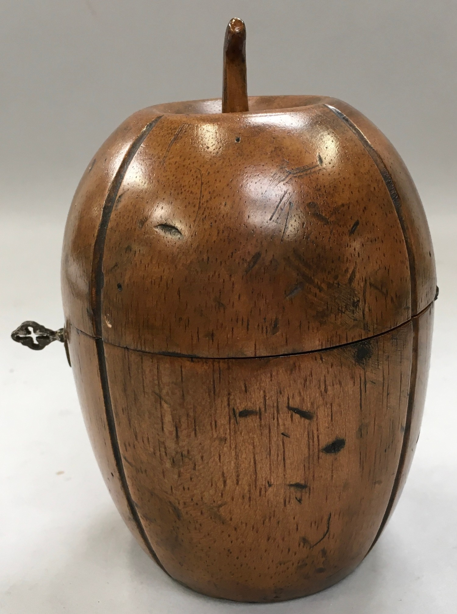 A Georgian style fruit wood tea caddy in the form of a melon with a key - Image 2 of 4