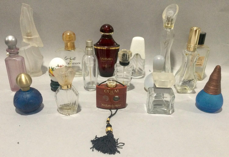 Box of ladies perfume bottles some display type - Image 3 of 4