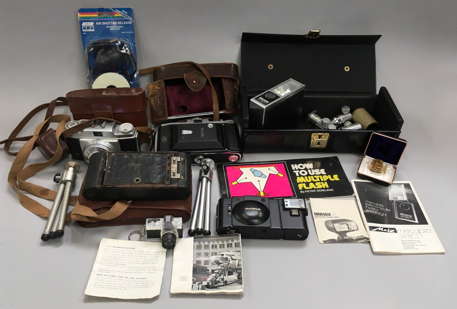 Quantity of cameras and equipment to included A Zeiss lkon Nettar folding camera