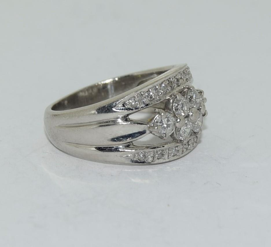Platinum set ring with central cluster of diamonds approx 70 points size K - Image 5 of 6