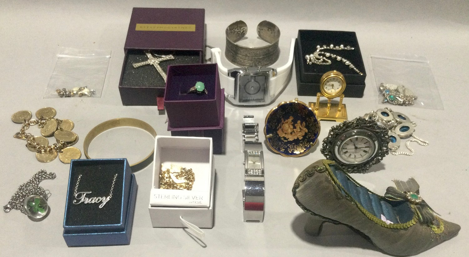Large carry box with costume jewellery to include silver - Image 2 of 5