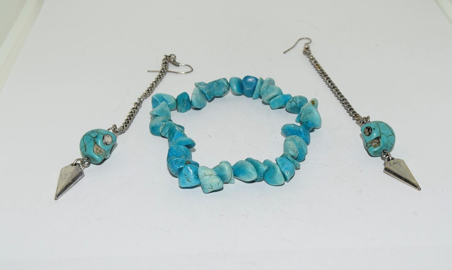 Turquoise Gemstone necklace and bracelet. - Image 3 of 3