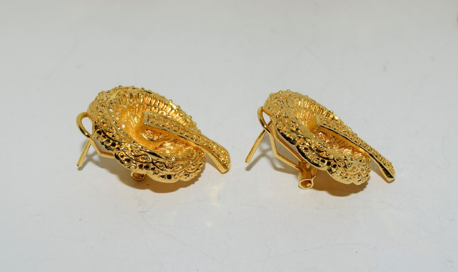 Asian 22ct plated suite of jewellery. - Image 2 of 4