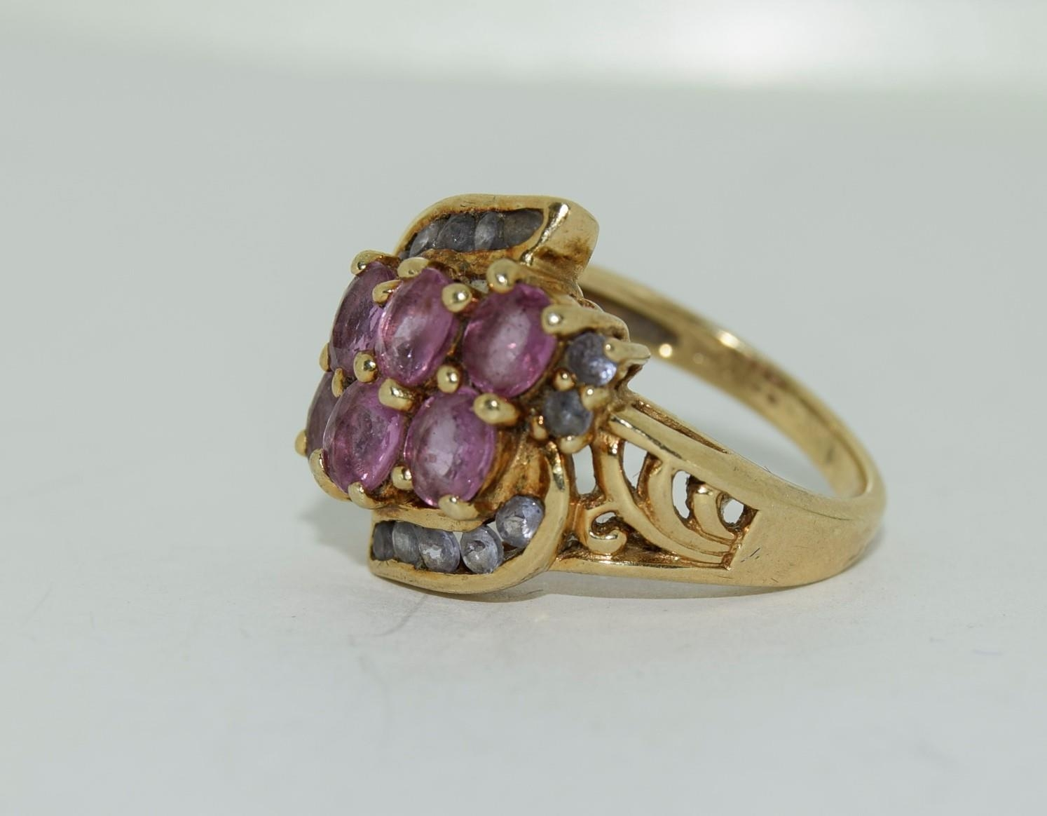 9ct gold ladies pink tourmaline and sapphire twist ring size L 4.9gm - Image 7 of 10