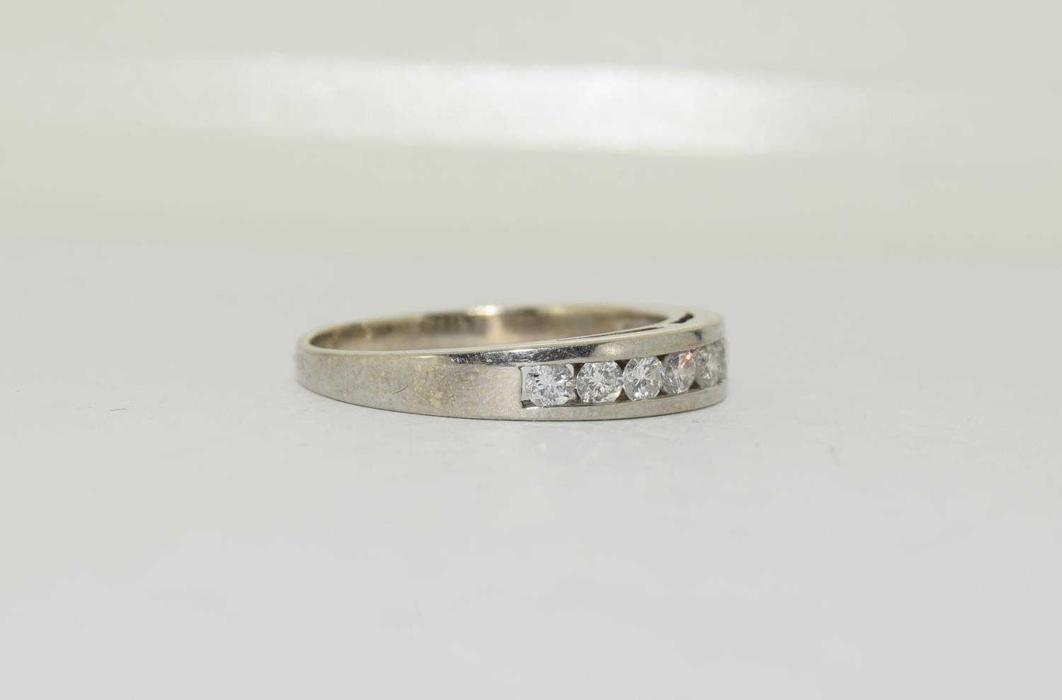18ct white gold diamond half eternity ring approx 80 pionts size T - Image 5 of 6