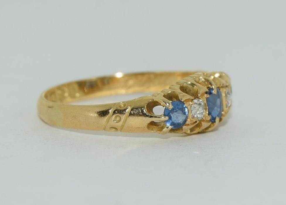 18ct gold ladies antique style ceylon sapphire and diamond ring size O - Image 5 of 6