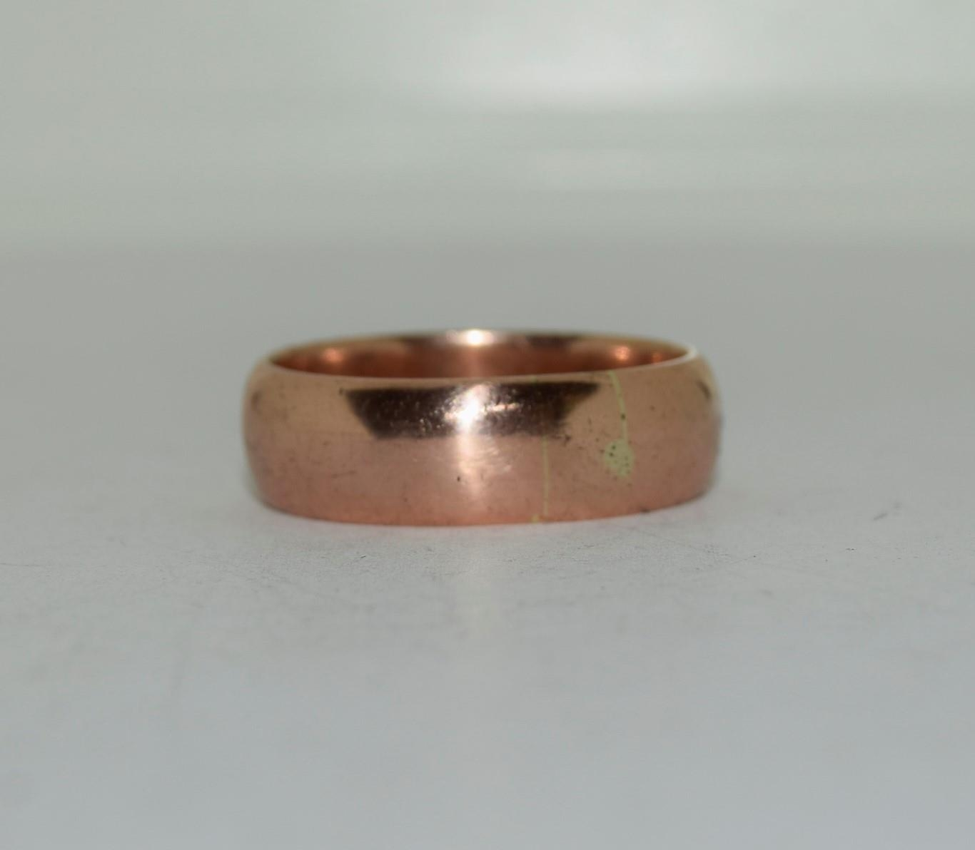 9ct gold mans wedding band size X 8.7gm - Image 5 of 6