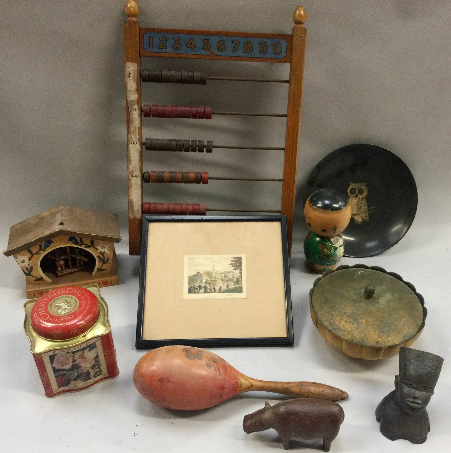 Box of mixed collectables to include antique oak brass banded barrel, vintage abacus and other - Image 3 of 3