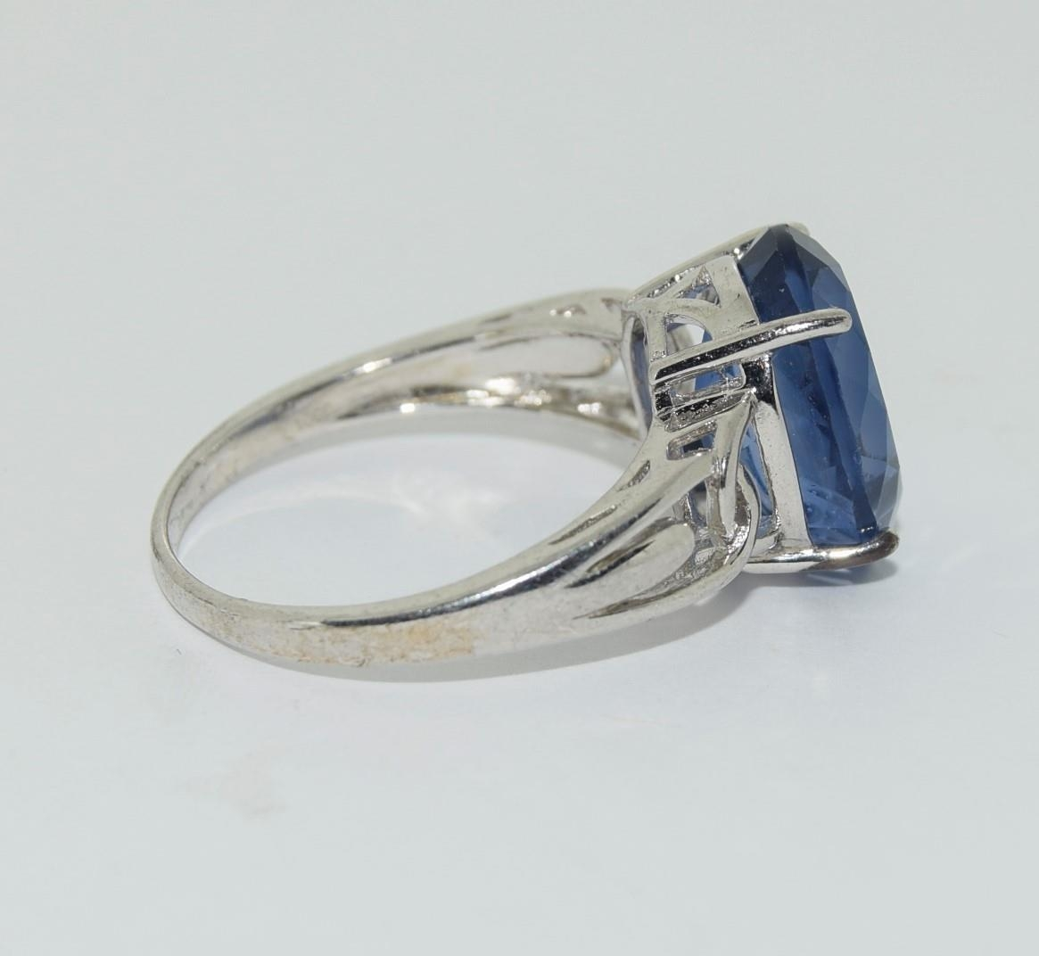 Silver ladies Amethyst ring. Size S. - Image 2 of 3