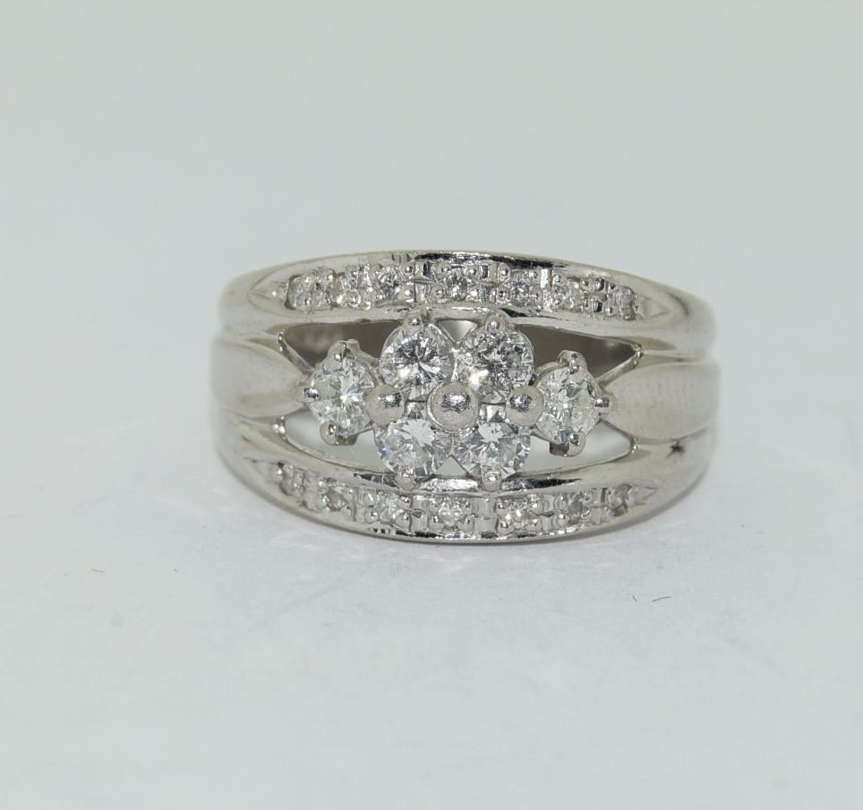 Platinum set ring with central cluster of diamonds approx 70 points size K - Image 6 of 6