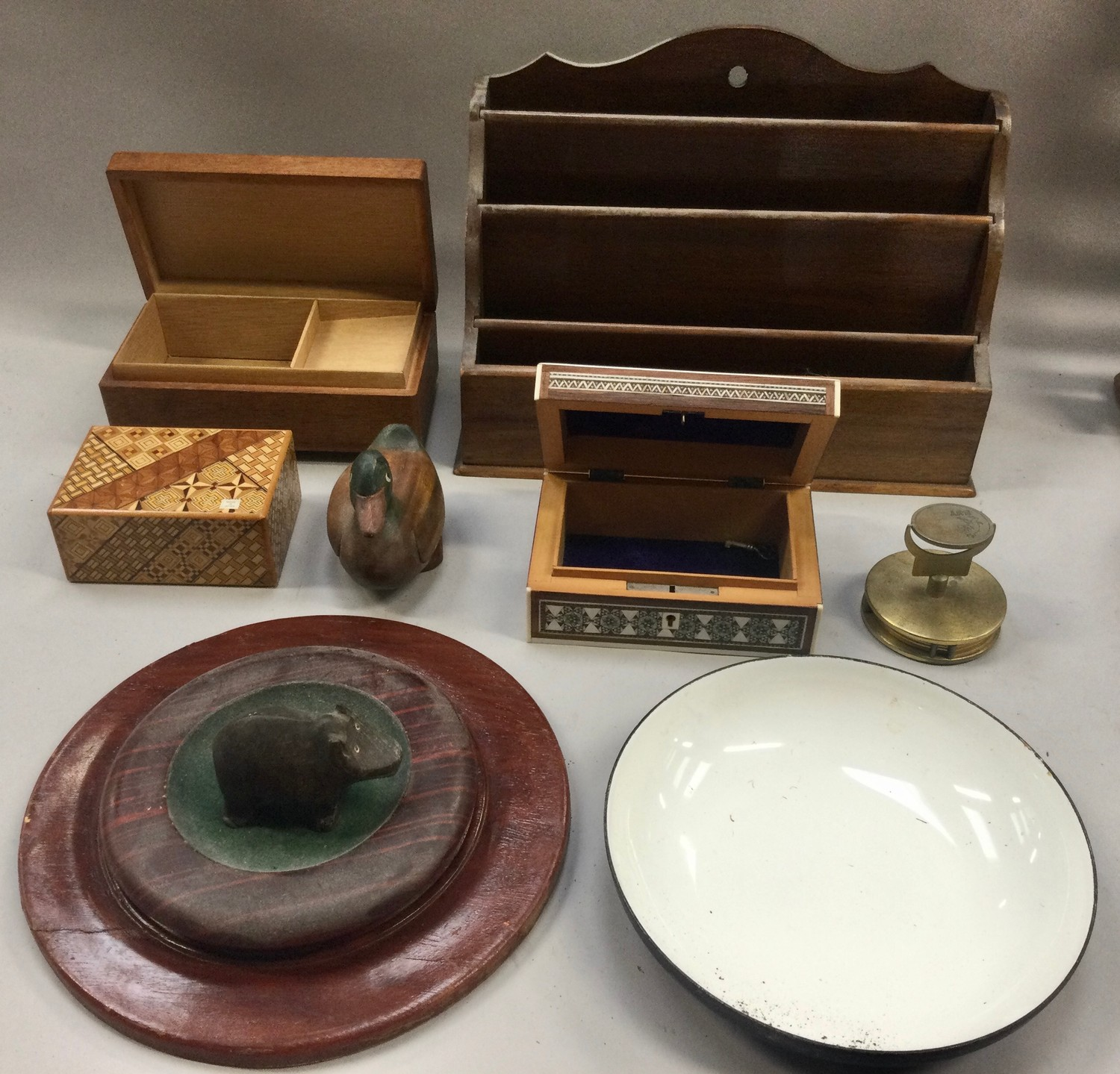 Box of mixed collectables to include antique oak brass banded barrel, vintage abacus and other - Image 2 of 3