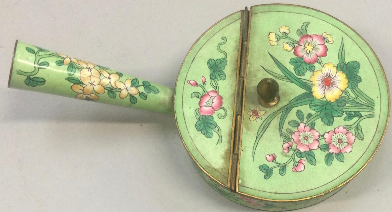Chinese enamel silk iron late 19th century. - Image 4 of 4
