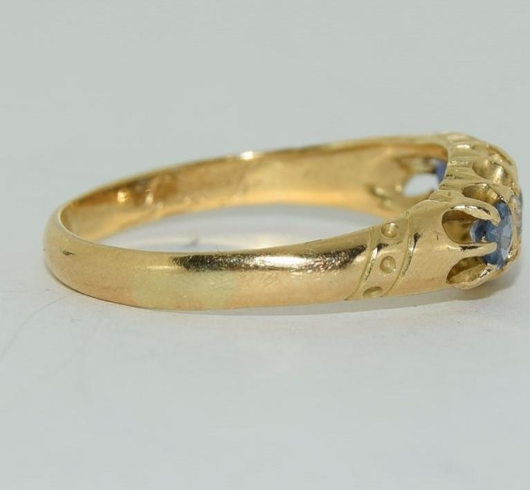18ct gold ladies antique style ceylon sapphire and diamond ring size O - Image 2 of 6