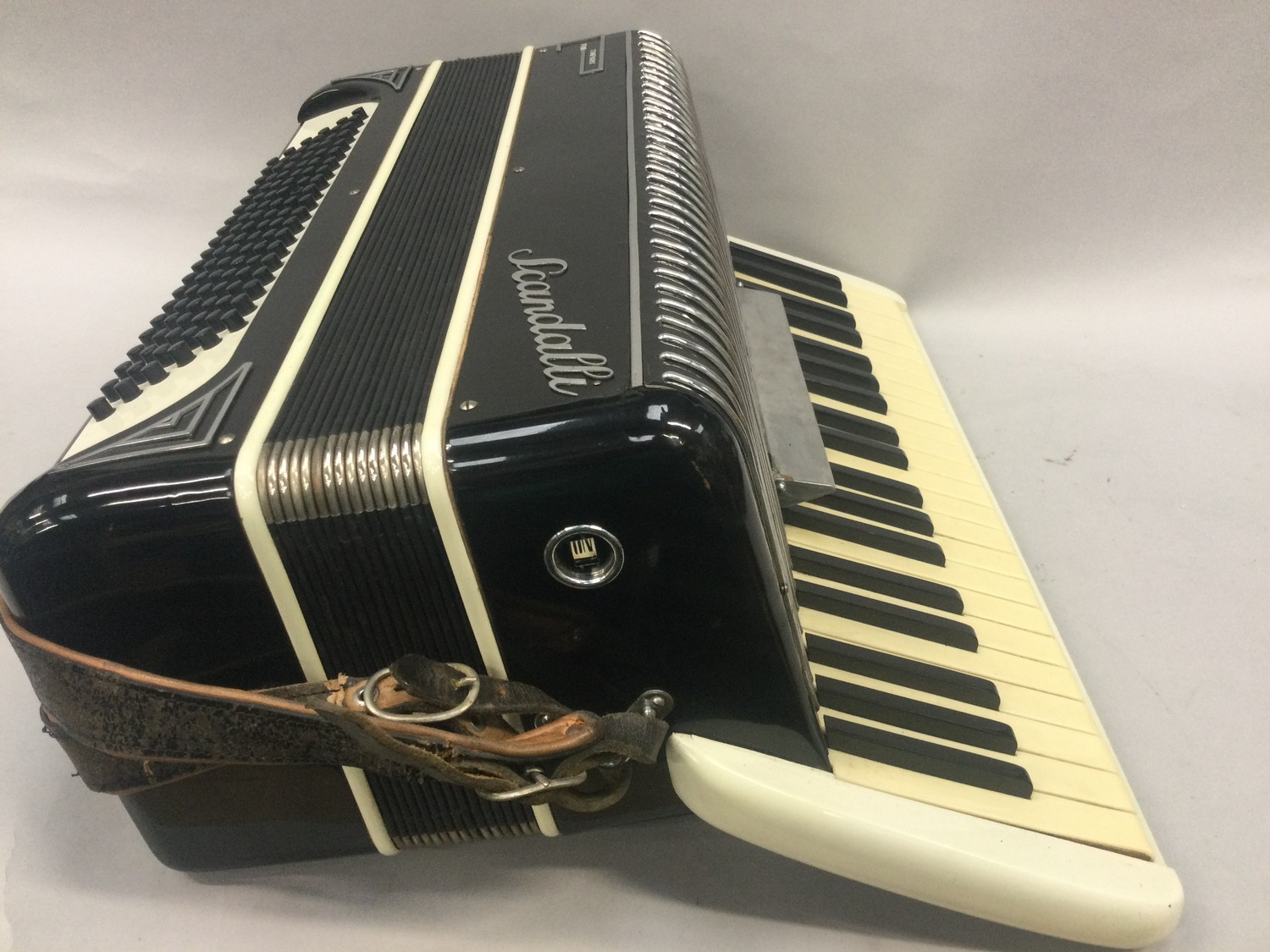 Boxed Symphony 4 accordion. - Image 4 of 7