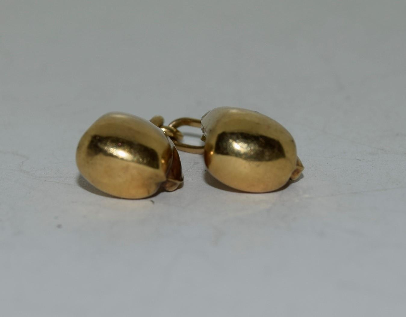 9ct gold charm a pair of boxing gloves - Image 4 of 6