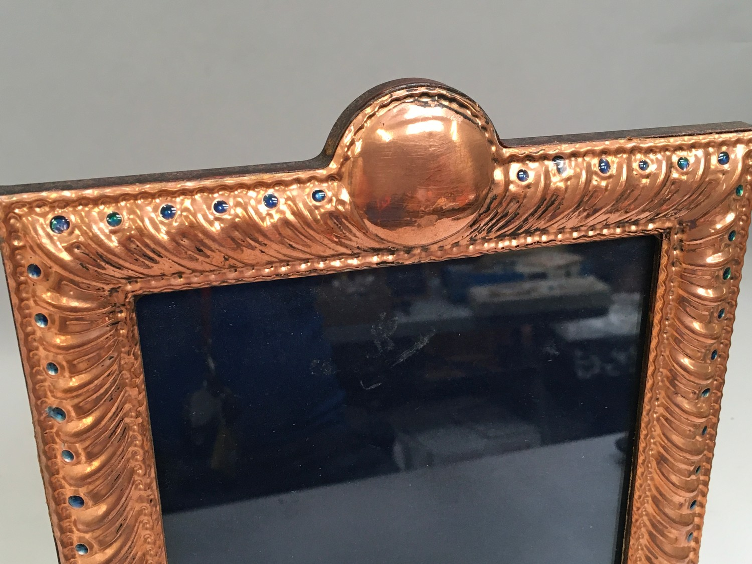 A Large copper and enamel easel back picture frame - Image 3 of 4
