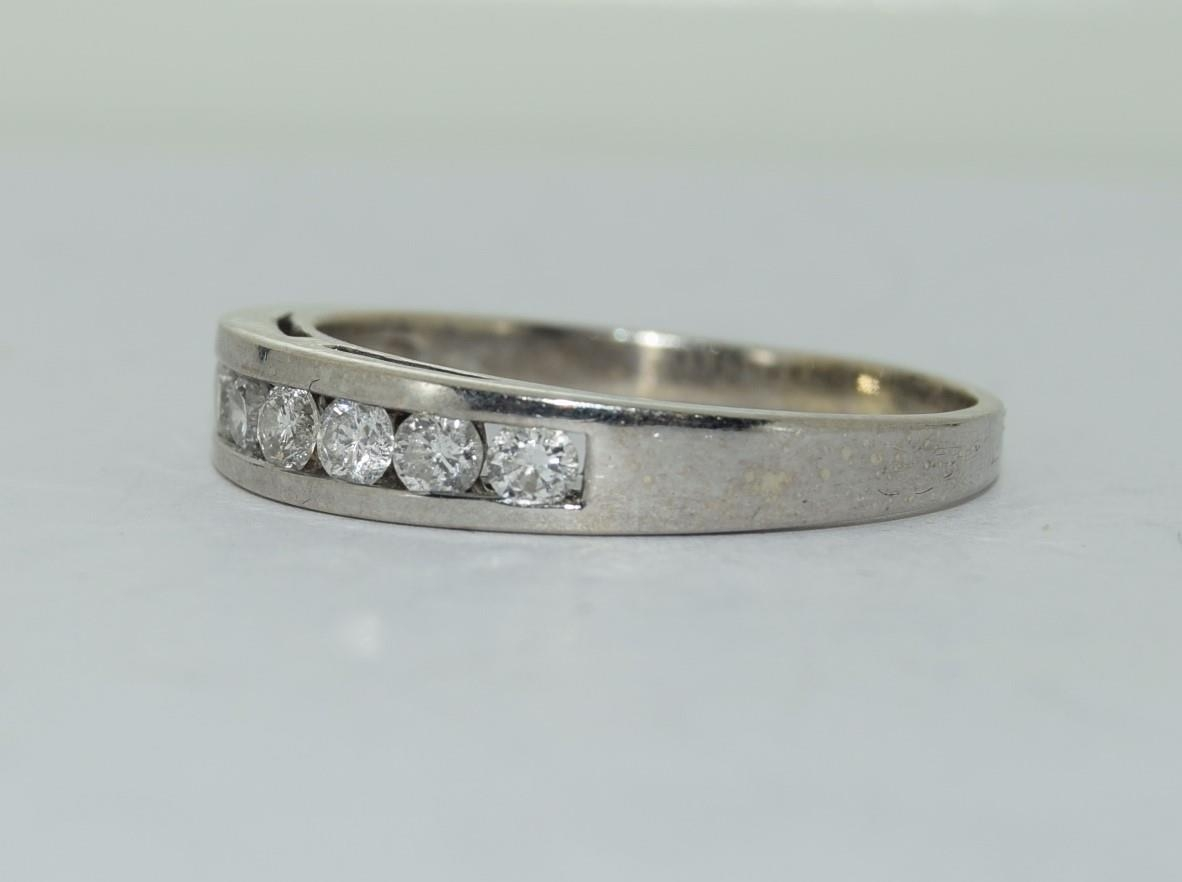 18ct white gold diamond half eternity ring approx 80 pionts size T - Image 4 of 6
