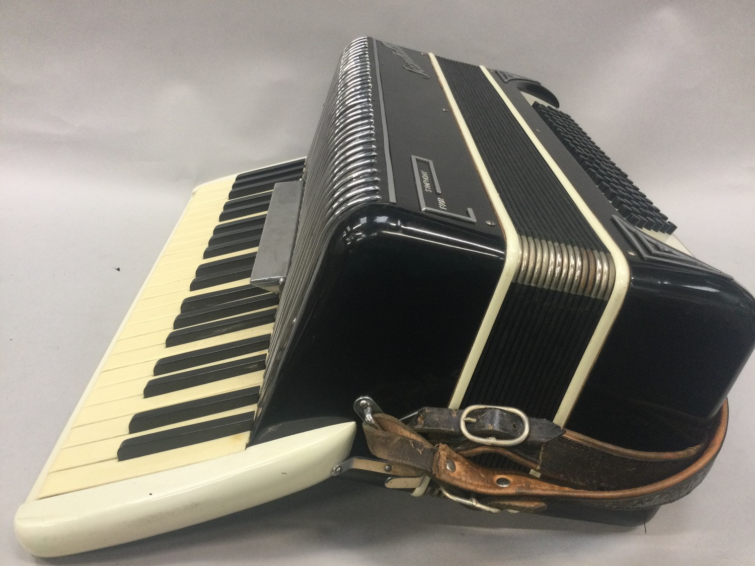 Boxed Symphony 4 accordion. - Image 5 of 7