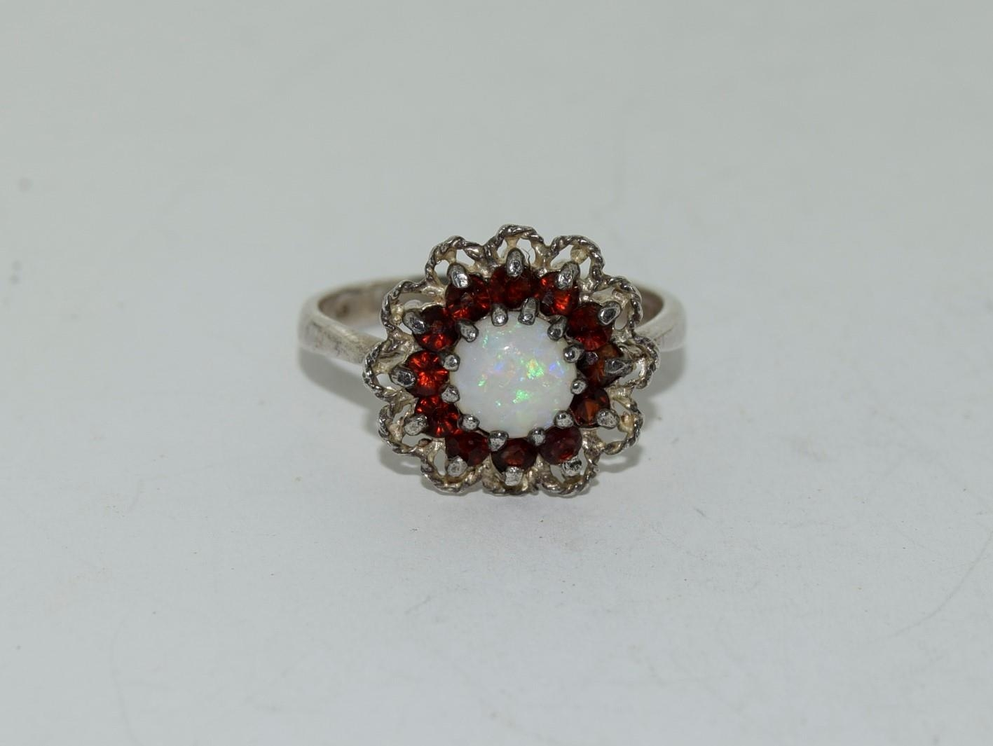 A Vintage and Opal/Garnet sterling silver daisy Ring, Size M.