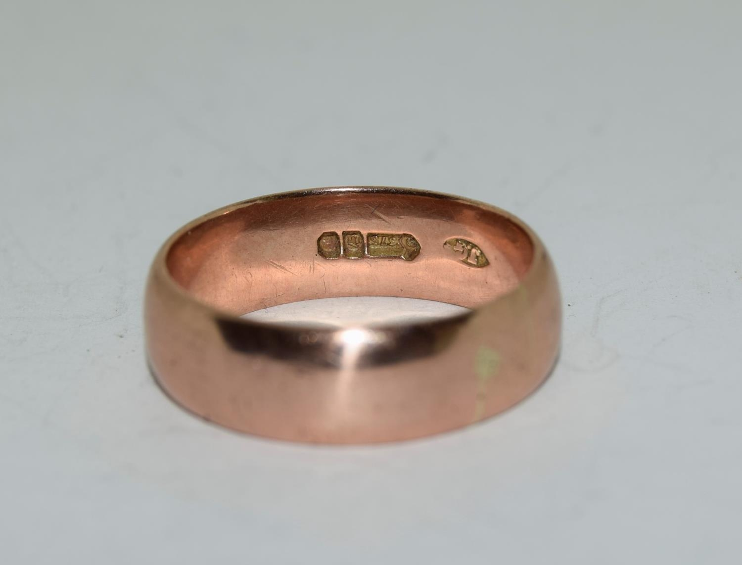 9ct gold mans wedding band size X 8.7gm - Image 3 of 6