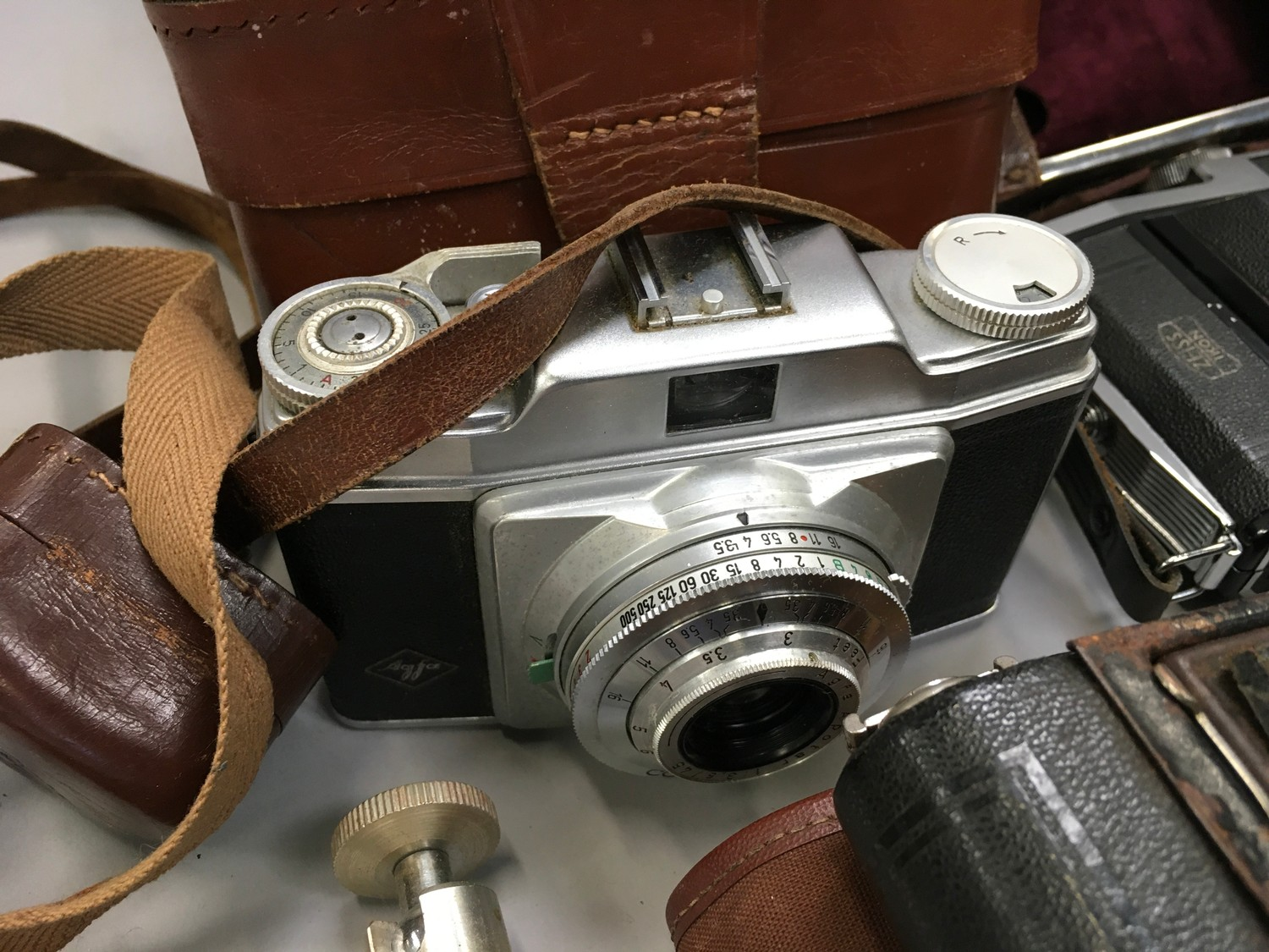 Quantity of cameras and equipment to included A Zeiss lkon Nettar folding camera - Image 2 of 5
