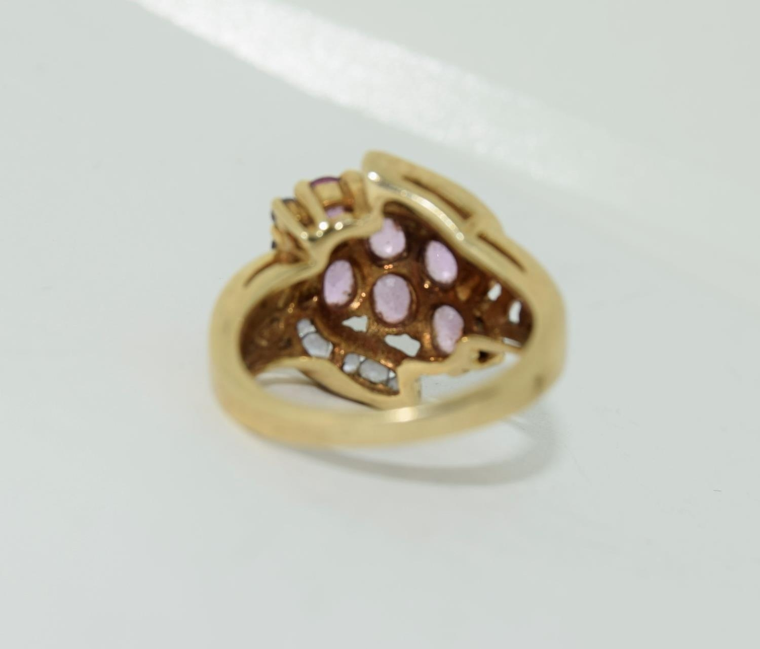 9ct gold ladies pink tourmaline and sapphire twist ring size L 4.9gm - Image 6 of 10