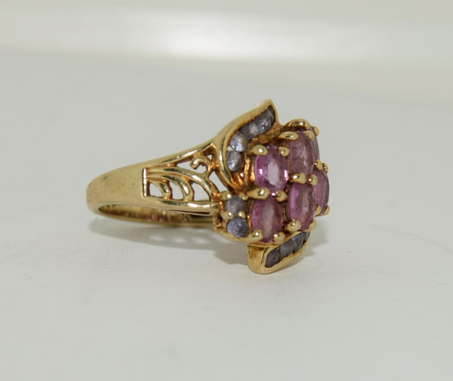 9ct gold ladies pink tourmaline and sapphire twist ring size L 4.9gm - Image 9 of 10