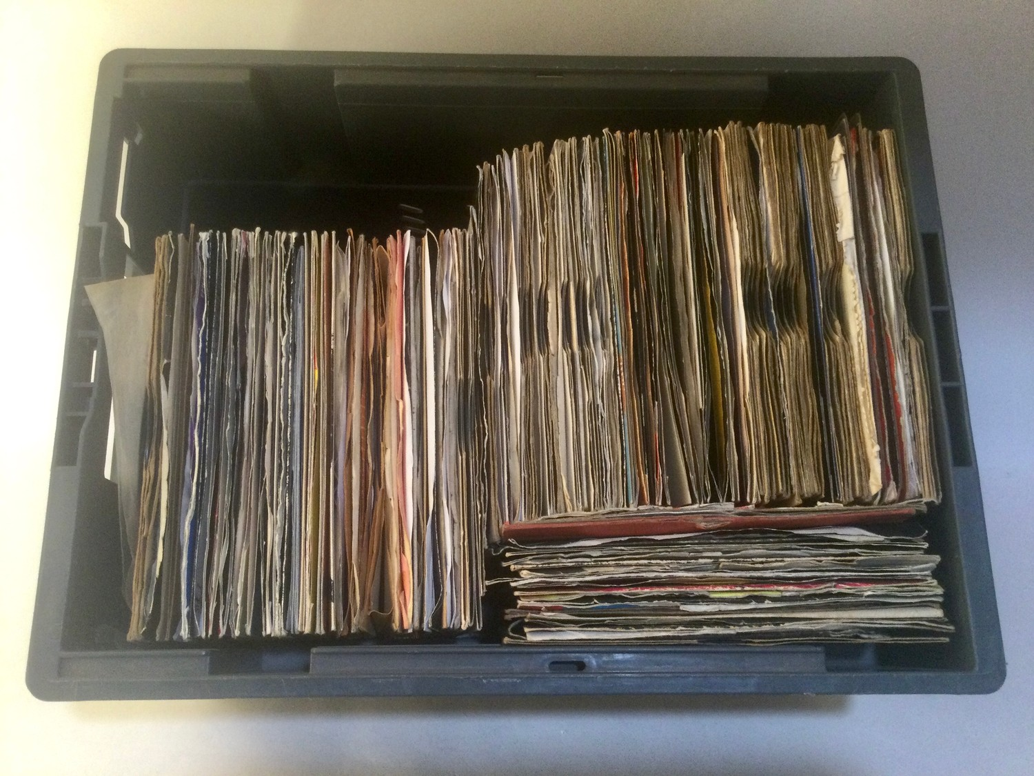 LARGE BOX OF VARIOUS 7? VINYL SINGLE RECORDS. Mainly found in VG+ conditions and containing many - Image 2 of 4
